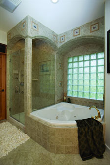 Whirlpool Tub in Master Bath - HOMEPW09939
